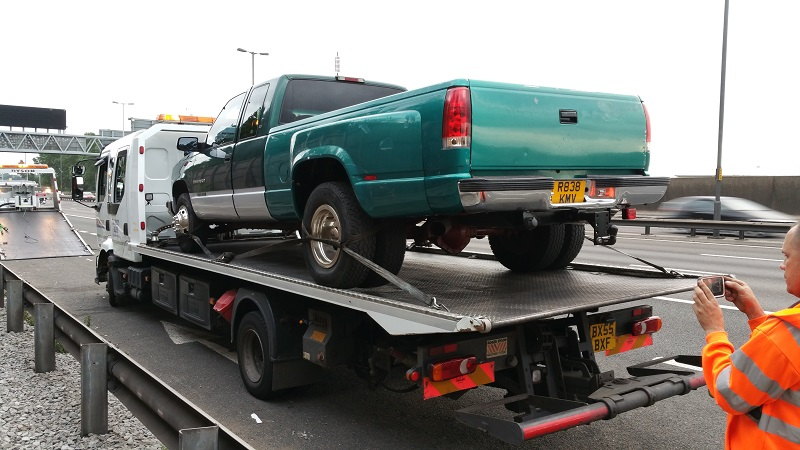 The Dually only just fit on this tow truck